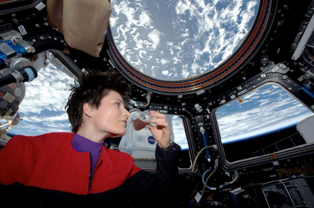 Αστροναύτης Χρησιμοποιεί τον ISSpresso για να Φτιάξει τον Πρώτο Καφέ στο Διάστημα