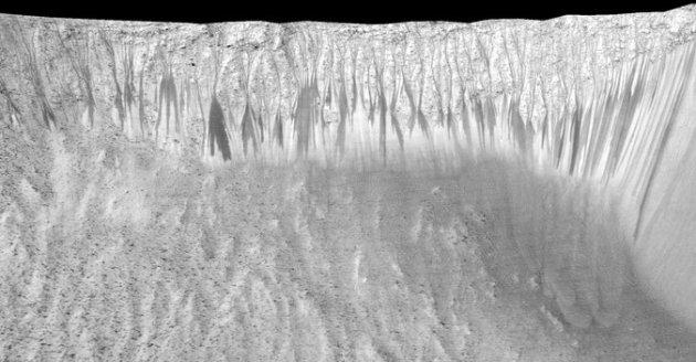 nasa+mars+dark+streaks