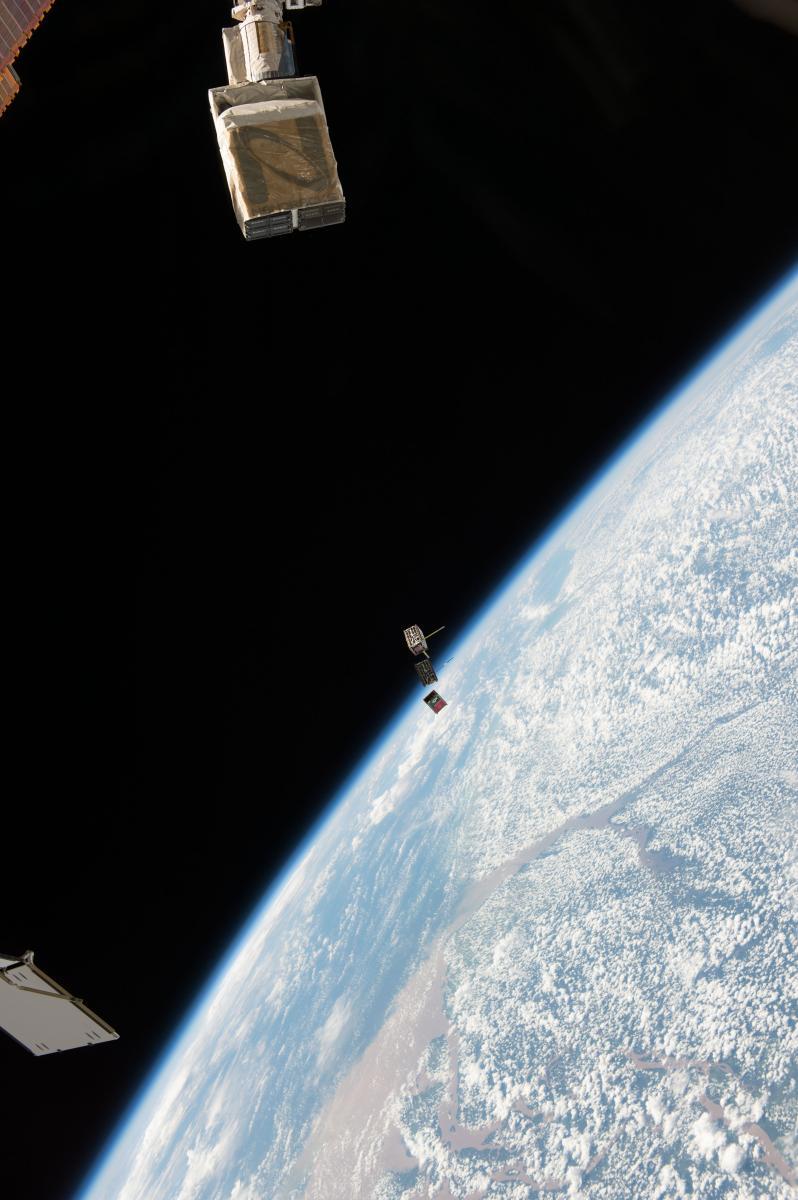 Δίδυμο Δορυφόρων Επιδεικνύει Νέες Τεχνολογίες
