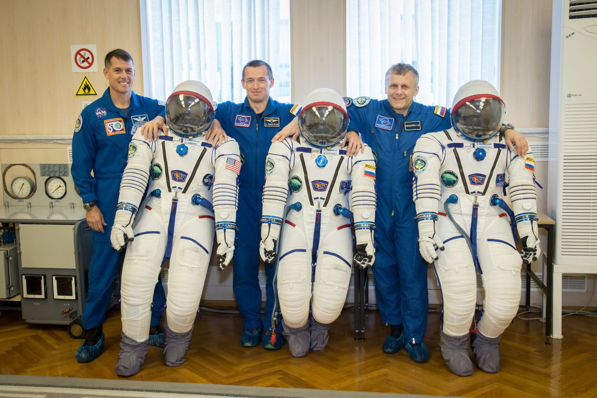 expedition-49-crew-and-suits