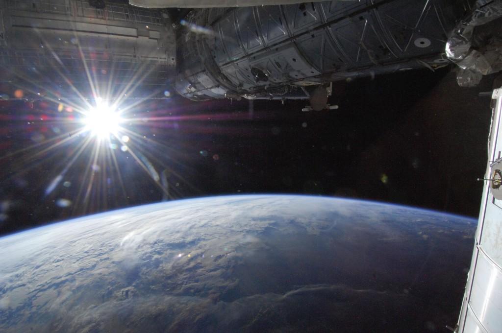 Ο Ήλιος πάνω από τον Ορίζοντα της Γης