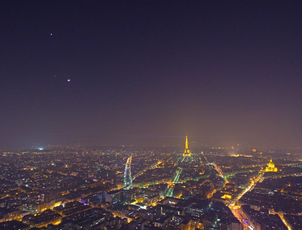 Το Παρίσι τη Νύχτα