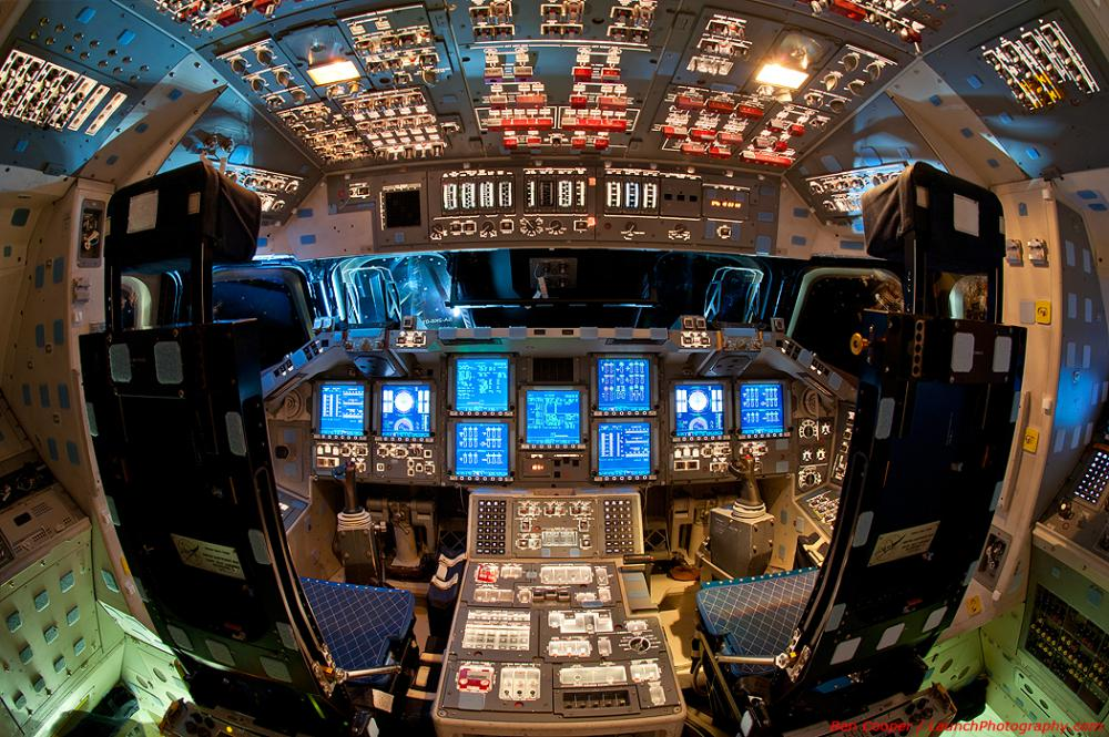 Ο Θάλαμος Διακυβέρνησης του Διαστημικού Λεωφορείου Endeavour