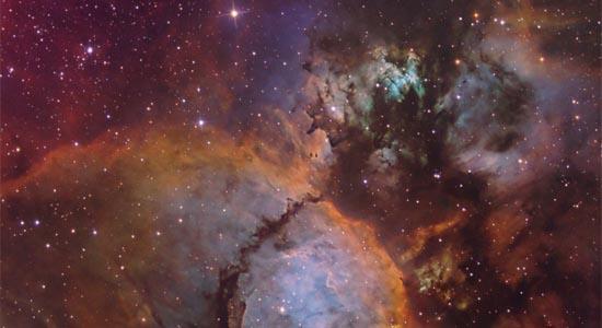 Τα χρώματα του IC 1795