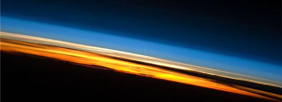 Ηλιοβασίλεμα από το Διεθνή Διαστημικό Σταθμό
