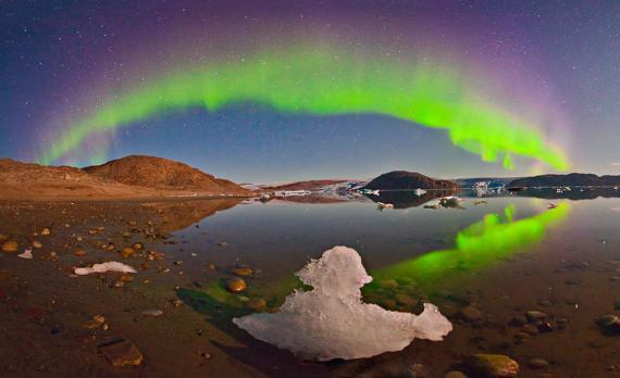 Το Βόρειο Σέλας πάνω από τη Γροιλανδία