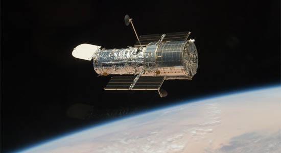 Το Hubble Πετάει Ελεύθερο