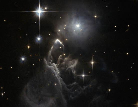 Ένα Αινιγματικό Αστρικό Νέφος