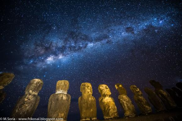 Ο Γαλαξίας Πάνω από το Νησί του Πάσχα
