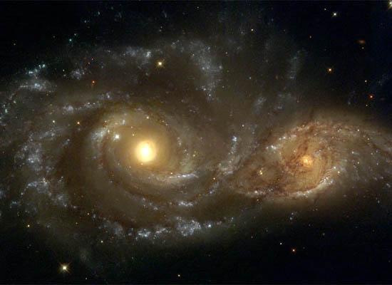 Σπειροειδείς Γαλαξίες σε Σύγκρουση
