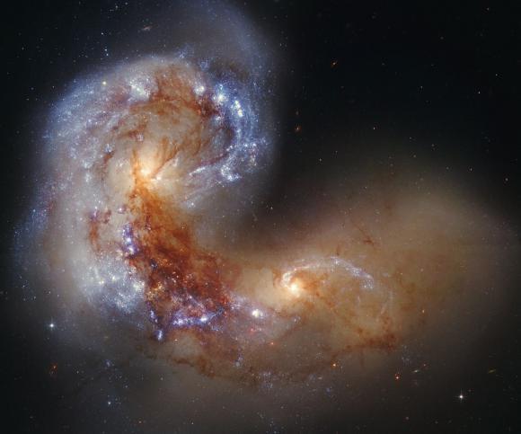 Ο Σπειροειδής Γαλαξίας NGC 4038 σε Πορεία Σύγκρουσης