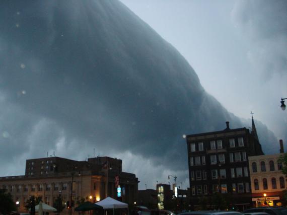 Κυλινδρικό Σύννεφο πάνω από το Wisconsin