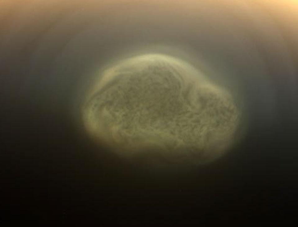 Δίνη Ανακαλύφθηκε στον Νότιο Πόλο του Τιτάνα