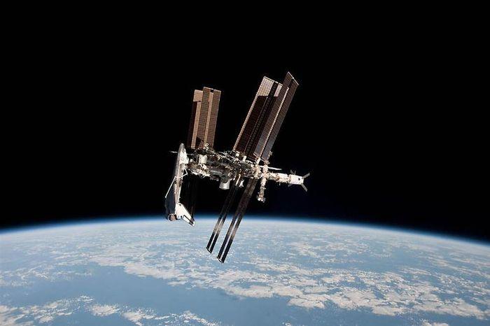 2011: Ένας Χρόνος στο Διάστημα
